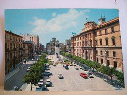 1964 - Taranto - Piazza Della Vittoria E Monumento Ai Caduti - Palazzo Degli Uffici - Auto - Taranto