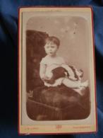 Photo CDV  Lopez Rue Condorcet Paris  Petite Fille Assise Avec Un Grande Poupée Sur Ses Genoux  CA 1880 - L416 - Photos