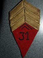ECUSSON TISSUS  ARMEE  FRANCAISE   SERGENT CHEF  31 - Patches