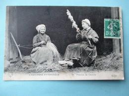 Les Fileuses De Chanvre En Auvergne Voyagée En 1911 - Paysans