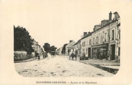 BONNIERES SUR SEINE  AVENUE DE LA REPUBLIQUE - Bonnieres Sur Seine