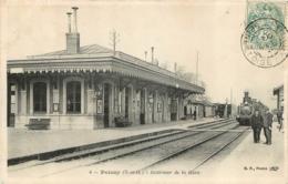 POISSY INTERIEUR DE LA GARE AVEC LE TRAIN - Poissy