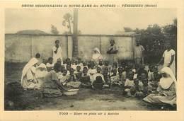 Pays Div -ref P311- Soeurs Missionnaires De Notre Dame Des Apotres -venissieux -rhone -togo -diner A Anecho  - - Togo