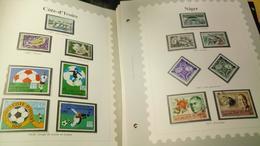 D336 LOT FEUILLES TIMBRES MONDE NEUFS / OB A TRIER BELLE COTE DÉPART 10€ - Collections (en Albums)