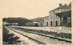 DOULAINCOURT - La Gare.(carte Vendue En L'état). - Gares - Sans Trains