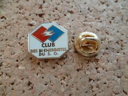 PIN'S  ARTHUS BERTRAND  CLUB DES BI ENERGIES DU S O - Arthus Bertrand
