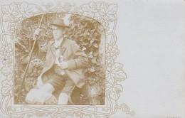 AK Foto Mann In Bayrischer Tracht - Hut Stock Pfeife Lederhose - Berchtesgaden 1903 (38644) - Europa