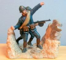 Soldats De Plomb 1914/1918 Dans Les Tranchées - Soldats De Plomb