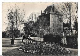 CPSM Dentelée En GF Et  En  NB  De  CHARLEVILLE  (08)  -  Jardin  Public  Du  Vieux  Moulin   //  TBE - Charleville