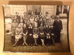 Photo. 83. Classe D'élèves Au Lycée De Mons Professeur De Grec Simenon - Anonymous Persons