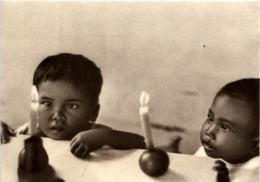 Dajakkinder Kuala Kapuas Borneo - Indonesien