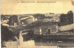 Carte  Postale  Ancienne De BREST - Cales De Construction Des Cuirassés - Brest