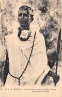 Somalie / 12 - Jeune Homme Orné Du Gardas - Somalie