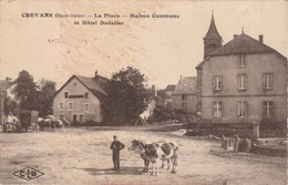 CREVANS -  HAUTE SAONE  70 -  CPA   LA PLACE  ET HOTEL  DODELIER - Other Municipalities