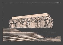 Paris - Pavillon De L'U.R.S.S. Paris 1937 - Les Peuples De L'U.R.S.S. Bas-relief De Tchaikov - Exposiciones