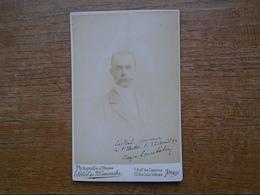 Photographie De 1894 Personnage ( 16,2 X 10,5 Cm ) Cartonnée En Parfaite état , écriture Face & Liseré Côté Couleur Or - Photos