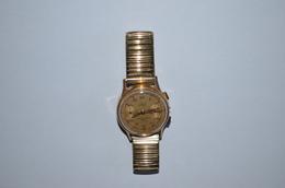 Montre Bracelet Leka Genève Chronographe En L'Etat - Montres Anciennes