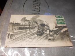 CPA ANIMEE - INTERIEUR DE LA GARE DE TOULOUSE - Stations With Trains