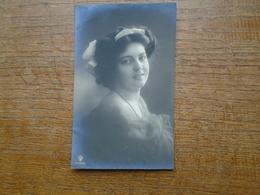 Carte Photo De 1910 Silhouette Ou Portrait De Femme - Silhouettes