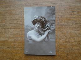 Silhouette Ou Portrait De Femme - Silhouettes