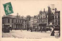 Dep 44 , Cpa(double) NANTES , 12 , Place De La Bourse  , 11 , La Place Du Commerce  (D09.2547) - Nantes