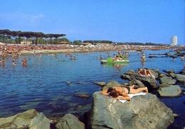Marina Di Massa - Vita Balneare - Formato Grande Viaggiata – E 10 - Massa