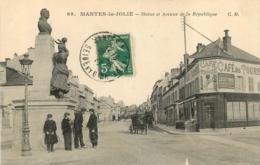 MANTES LA JOLIE STATUE ET AVENUE DE LA REPUBLIQUE - Mantes La Jolie