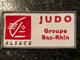 Ecusson JUDO Groupe Du Bas-Rhin Par La Caisse D'Epargne - Martial Arts