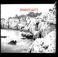 Plaque De Verre - Helenna Roc En 1898 Cap D'Antibes Juan Les Pins 06 Alpes Maritimes - Taille 43 X 45 Mlls - Plaques De Verre