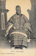 Dakar (Sénégal) - Vieille Indigène - Collection J. Benyoumoff - Carte Non Circulée - Afrique