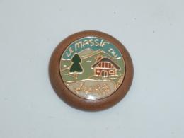 Pin's LE MASSIF DU JURA - Cities