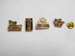 Belle Série De 4 Pin's Différents  , Café Philtre D'Or , Signé AGION - Food