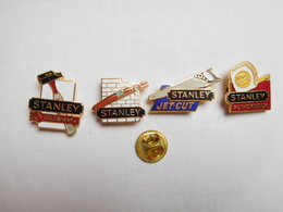 Belle Série De 4 Pin's Différents En EGF , Matériel , Outillage ,  Stanley , Signé DIMO - Pins