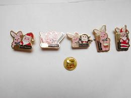 Belle Série De 5 Pin's Différents , Marque Piles Duracell - Trademarks