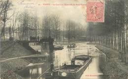 WASSY - Le Canal Et L'estacade De Pont Varin. (péniches) - Embarcaciones