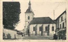 DOULAINCOURT - Eglise Et Place (carte Vendue En L'état). - Doulaincourt