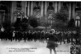 LE PRESIDENT DE LA REPUBLIQUE A LIMOGES 8 ET 9 SEPTEMBRE 1913 DEFILE DES SOCIETES DEVANT LA PREFECTURE TBE - Limoges