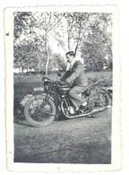Photo Homme Sur Moto , à Identifier ( 1938, Retour De Fos Sur Mer ) - Photos