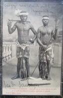 Caledonie Nouvelle Canaque Avec Hache Ceinture Rotin Sagaie Peche Et Corde De Guerrier    Cpa - New Caledonia