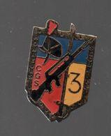 Pin's GENDARMERIE.3EME COMPAGNIE DES GRANDS SERVICES CASERNE DE DUGNY.DOS NU....BT4 - Police