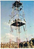 AVIONS  PARACHUTISME  LA TOUR  D ENTRAINEMENT    CPM TBE    AV312 - Parachutisme