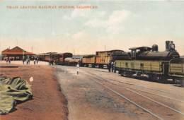 Zambie / 02 - Salisbury - Train Leaving Railway Station - Zambie