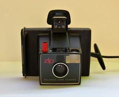 Ancien Appareil Photo Polaroid. Zip. - Appareils Photo