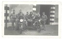 Photo Hommes / Soldats Sur Moto & Siede Car   ( Modèles à Identifier ) - Photos