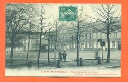 """CPA 51 Saint Menehould  """" Place D'austerlitz Coté Nord """" - Sainte-Menehould"""