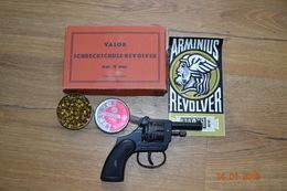 REVOLVER D'ALARME VALOR SCHRECKSCHUSS - Decorative Weapons