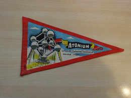 Fanion Touristique Belgique ATOMIUM BRUXELLES RARE (vintage Années 60) - (Vaantje - Wimpel - Pennant - Banderin) - Oggetti 'Ricordo Di'