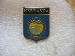 Pin's Embleme De La Ville De NEBRASKA,  État Du Centre Des États-Unis - Cities