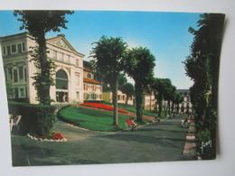 Bourbon L'Archambault. Station Thermale. L'Etablissement Thermale Et Le Grand Hotel Montespan. Yvon 10.03.0080 - Bourbon L'Archambault
