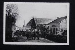 FRANCE - Carte Postale - Chantier De Jeunesse N° 5 - Défilé à Savennes - L 20841 - Guerre 1939-45
